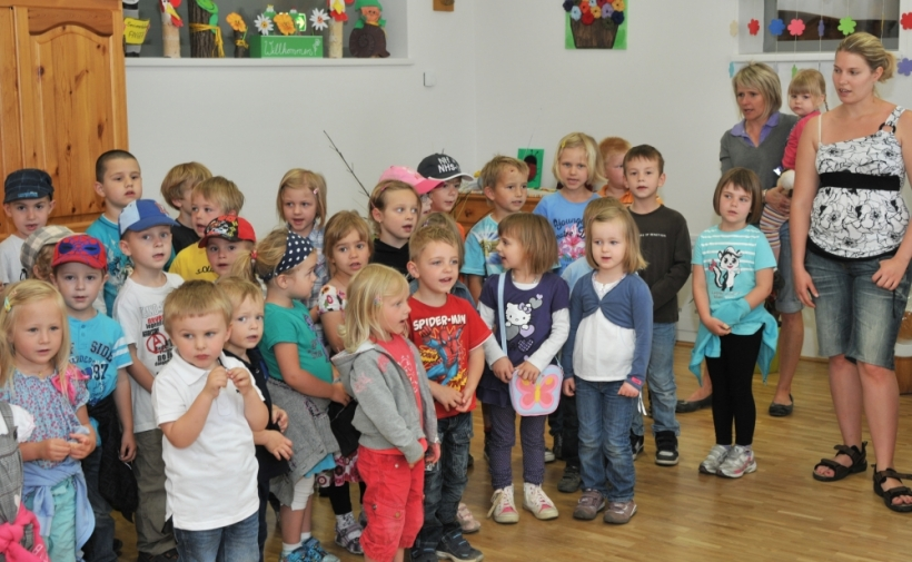 https://www.anger.gv.at/data/image/thumpnail/image.php?image=144/gemeinde_anger_tba_muttertag2012_1_article_3361_0.jpg&width=820