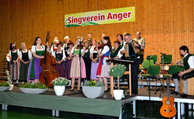 https://www.anger.gv.at/data/image/thumpnail/image.php?image=144/gemeinde_anger_tripplmusi_article_3829_2.jpg&width=820